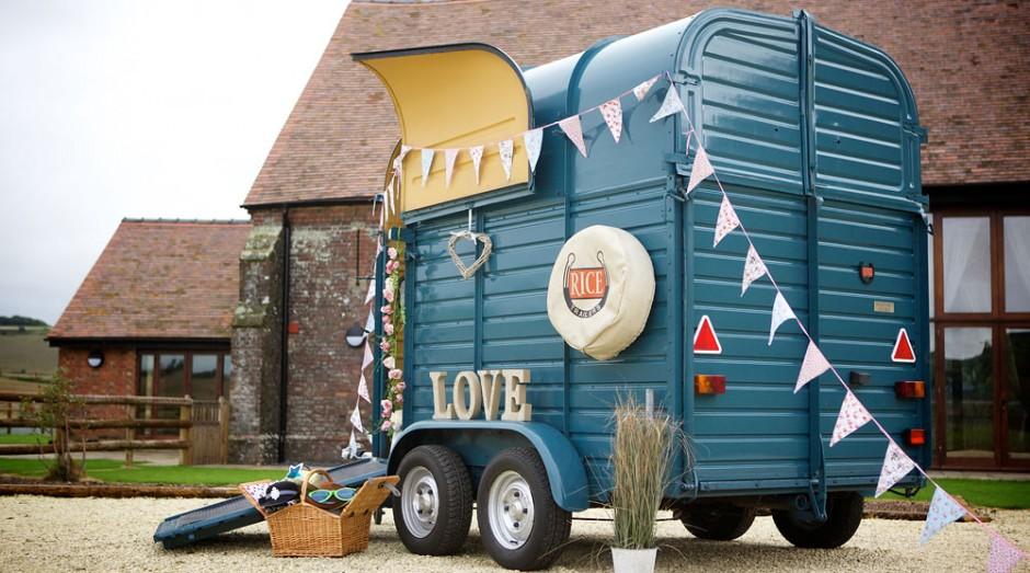 Vintage Photo Booth - in a Horse Box! - Caravan Photo BoothCaravan